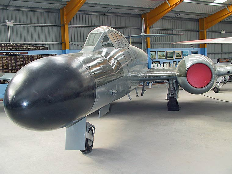 Gloster,-Armstrong-Whitworth Meteor NF.12